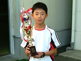 U11男子シングルス 優勝:五十嵐 涼くん